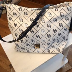 Dooney and Bourke new !